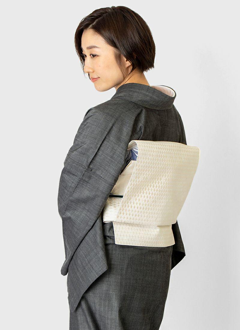 着物屋くるり デニム着物【GIZA】ブラック モデル着用イメージ