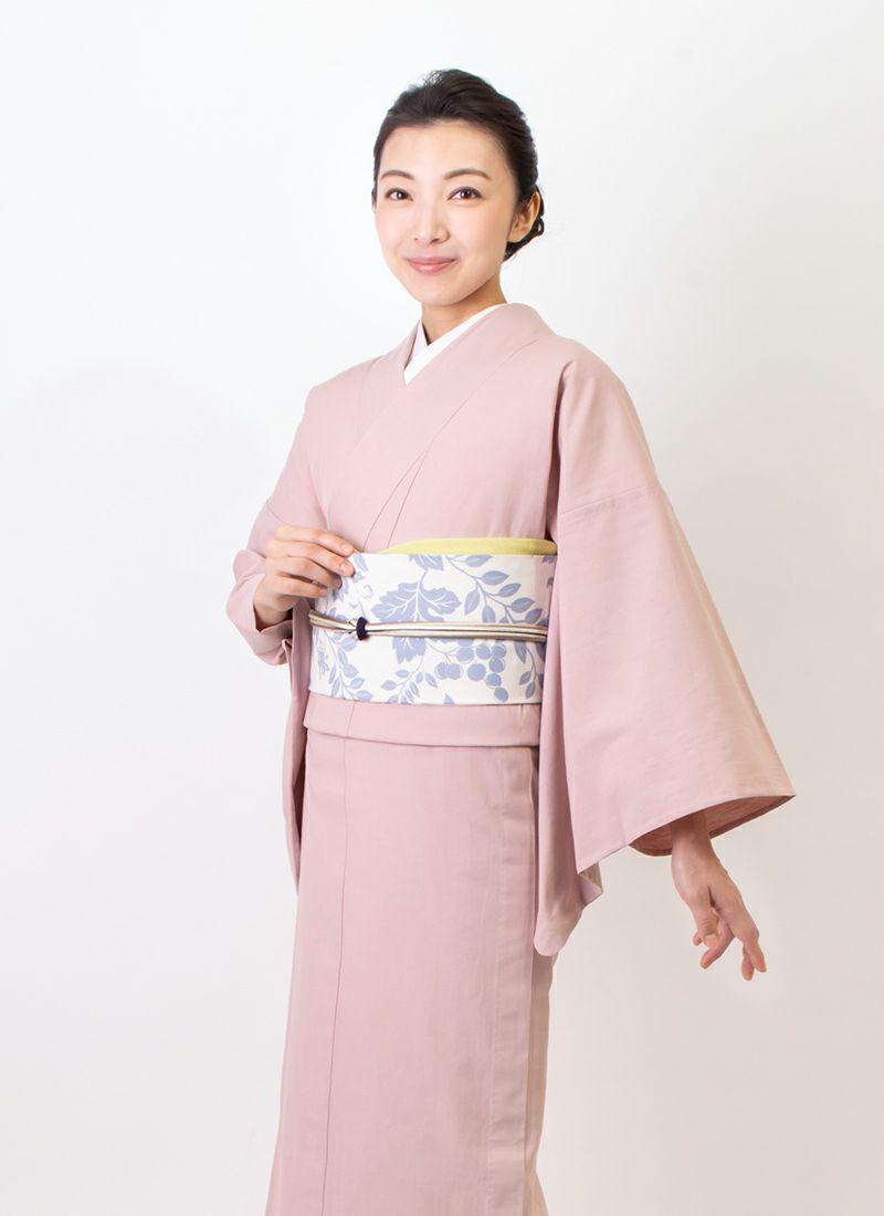 くるり カジュアル着物【灰櫻】モデル着用アップ