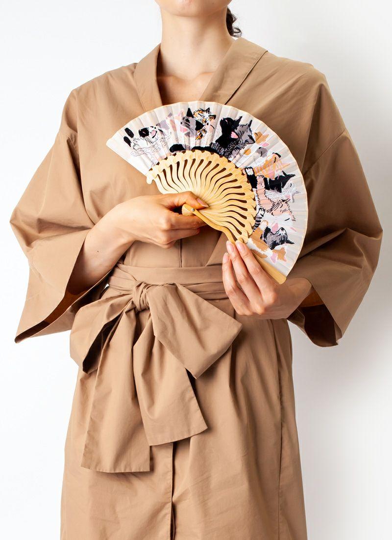 扇子【猫ぎゅうぎゅう】ベージュ/扇子袋付き